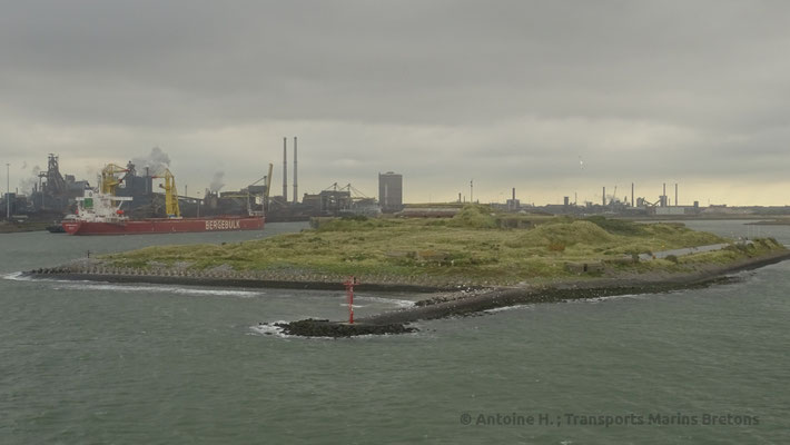 Usines d'IJmuiden. Photo Antoine H.