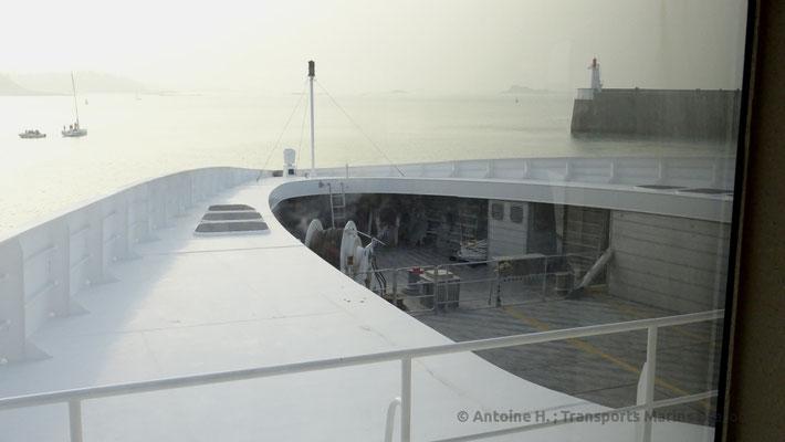 Vue vers la proue du navire dans la classe Ocean Plus. Photo Antoine H.