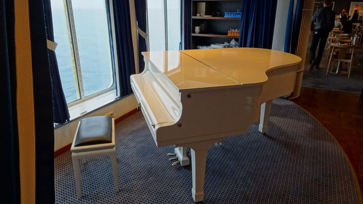Piano dans l'Explorers Steak House. Photo Antoine H.