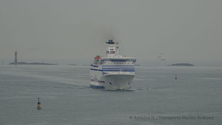 Bretagne arrivant à Saint-Malo. Photo Antoine H.