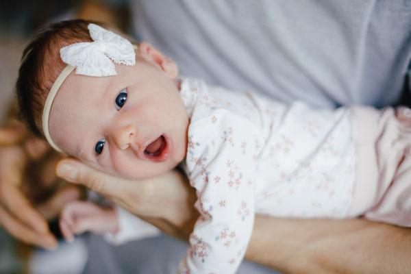 Neugeborenen Fotos zu Hause Annaberg-Buchholz im Erzgebirge Madalina Schneider