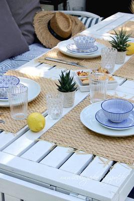 Sommerliche Tischdekoration für den Grillabend