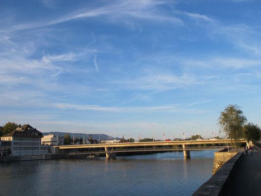Wandern und Velofahren sowie Sportregion Solothurn siehe www.sport-so.ch
