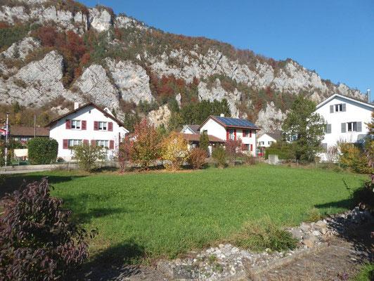 Der Bauplatz im Kanton Solothurn -  in Balsthal - liegt in einem ruhigen Einfamilienhaus Quartier