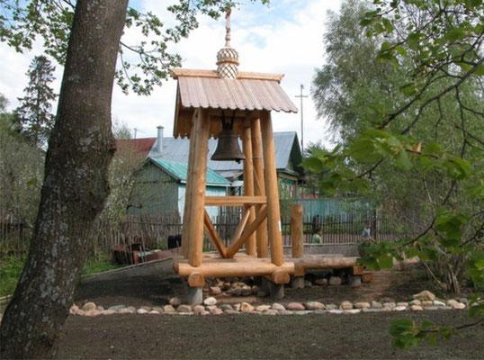 колокольня у храма