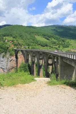 Brücker über die Tara