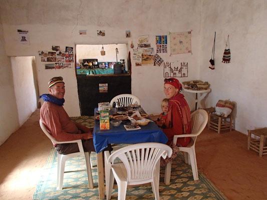 Frühstück bei Mohamed Nähe Standplatz 4
