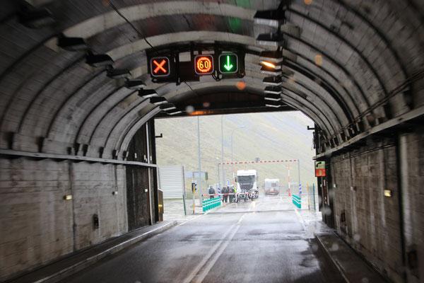 Ausfahrt aus dem Tunnel,Frankreich