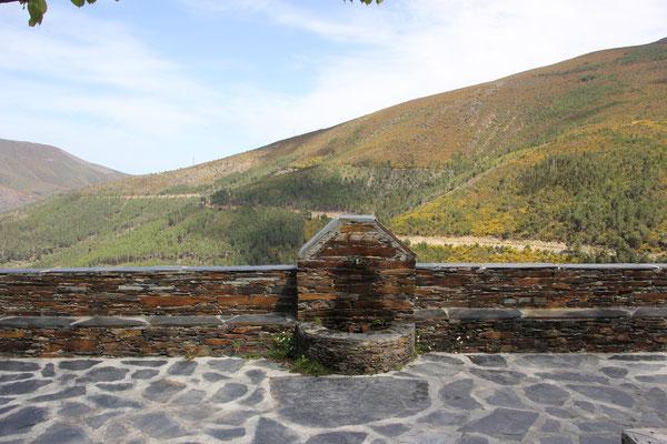 Brunnen, Fahrtstrecke im Hintergrund