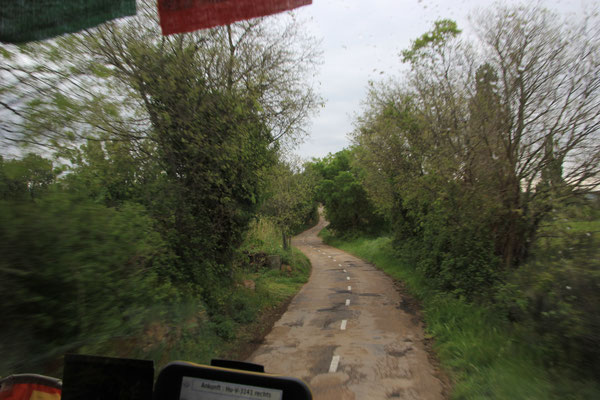 gelbe Strasse Richtung Huesca