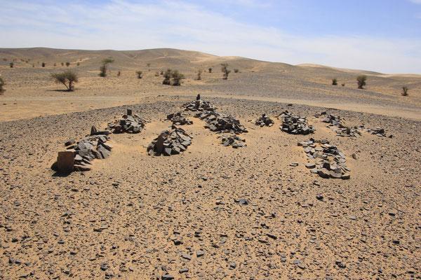 Nomadenfriedhof bei Oum Ijrane