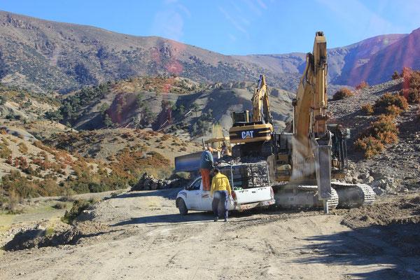 Baustelle Ende der Strasse nach Talmijlt Richt. Oulad Ali