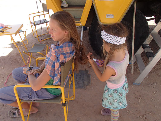 Stephanie beim Friseur
