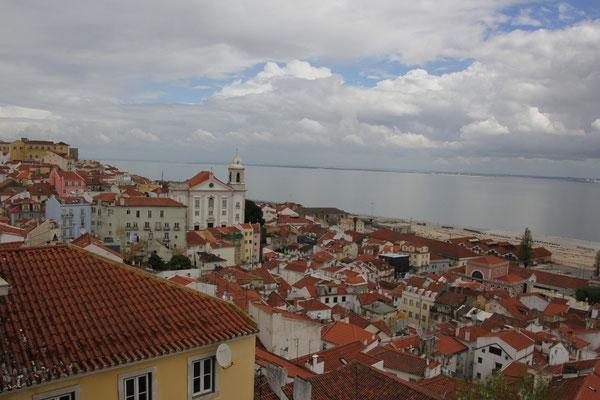 Blick auf die Altstadt, Alfama, Lisabon