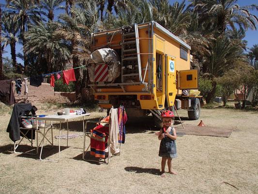 Sahara entdeckt Fahrradhelm, Camping Amezrou,Zagora
