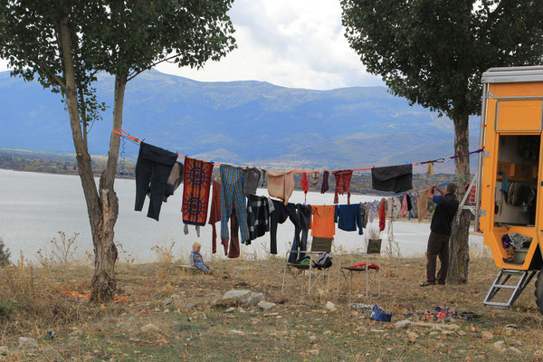2 Maschinen Wäsche