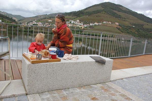 Brotzeitplatz am Douro