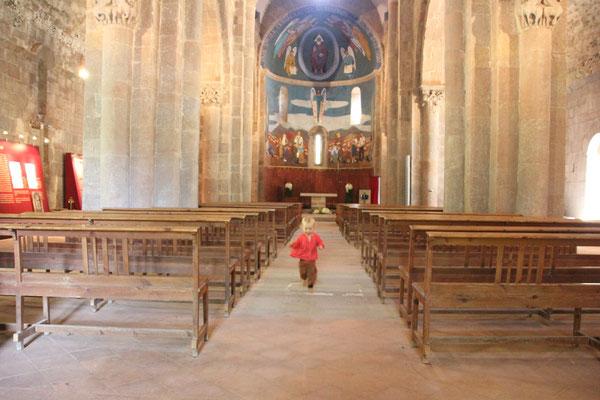 Sarah in der Klosterkirche St. Joan de font