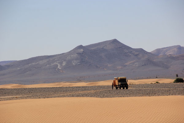 beim Oued Rheris, Luftablassen