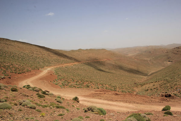 nach dem Pass ca. 2900 m Piste Msemrir-Agoudal