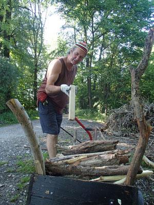 Holzmachen in den Amperauen