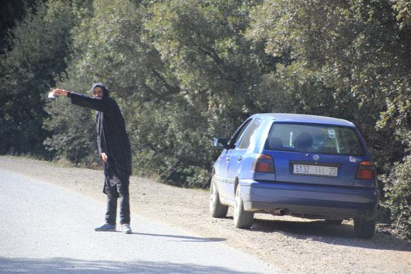 Haschischhändler am  Strassenrand