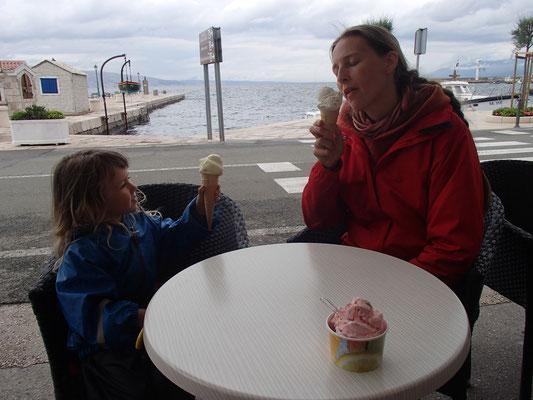 1. Eis am Meer in Senij, sauerstes Mangoeis aller Zeiten