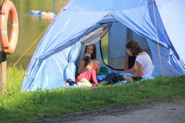Sarah mit Freundinnen, Ebenreuther See