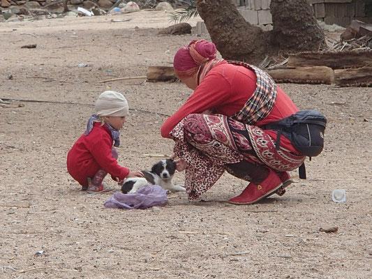 Sarah, Stephanie m.Babyhund, Tafraoute