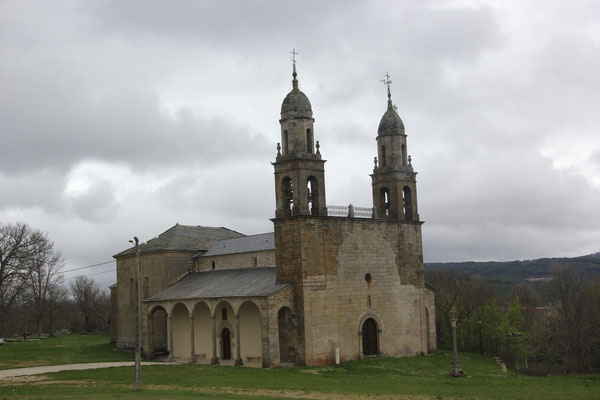 Fahrt auf der LE 125 Kirche im Hinterland