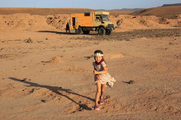 Sarah am 3. Stpl. Oued Draa