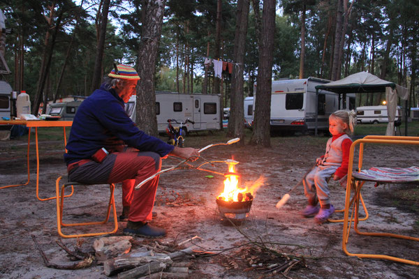 Lagerfeuer Camp Tramp, Insel Wolin