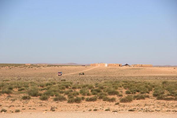 Berberhaus mit Zelt, 20 km westl. Matarka