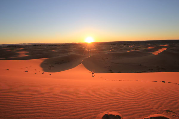 Wüsten-Abschiedssonnenuntergang, Etoile le dune