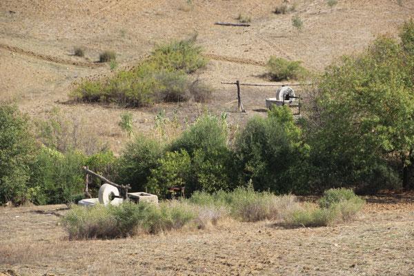 Ölmühlen auf dem Weg Richt. Souk El Had