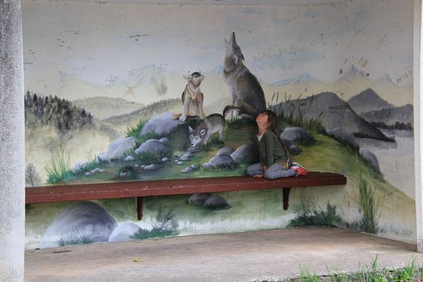 Wolfsbushaltestelle bei Döverde