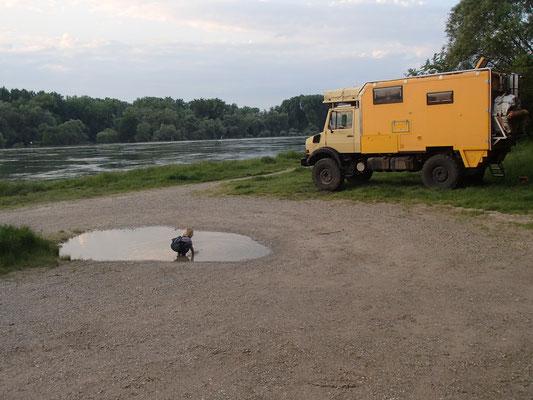 Standplatz am Rhein, Neuburgweiher