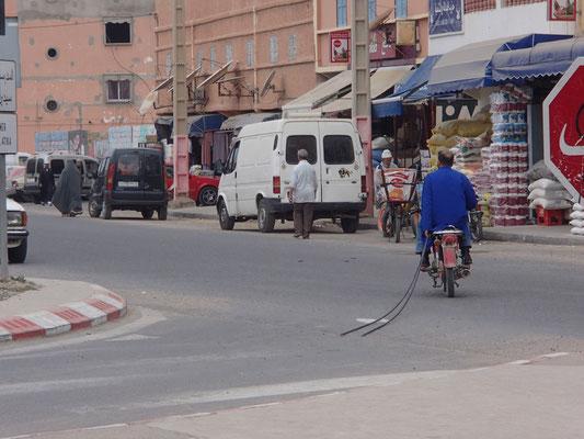 Moped mit Überlänge, Auri
