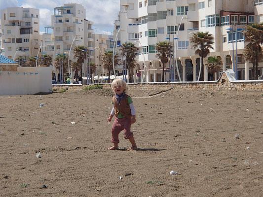 Sarah am Strand Martil