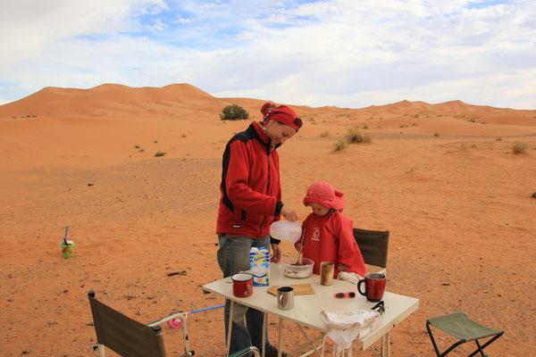 Weihnachtsplätzchen backen in der Wüste
