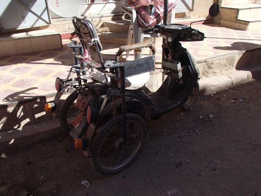 Rollstuhlroller Beni Tajjite