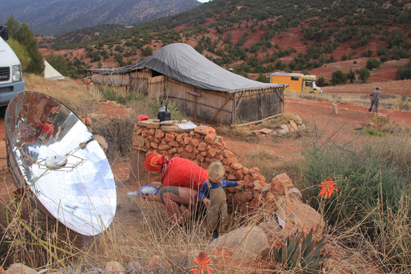 Plätzchen backen mit Solar, Standplatz Ouzoud