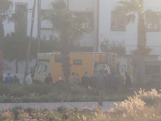 Zockerrunde am Unimog Essaouira