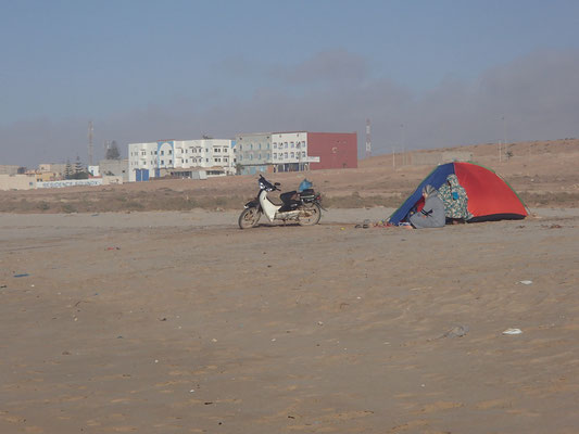Marokaner am Strand El Ouita