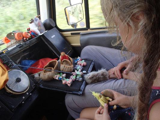 Sarah während der Fahrt