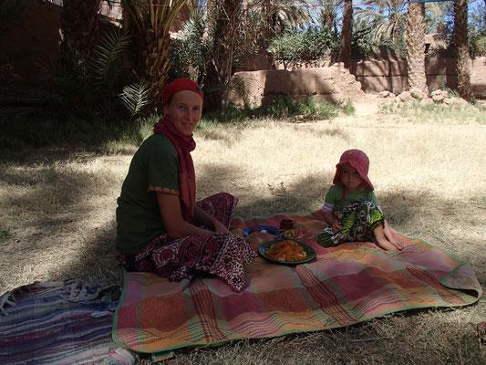 Cous-Cous Geschenk, Camping Amezrou, Zagora