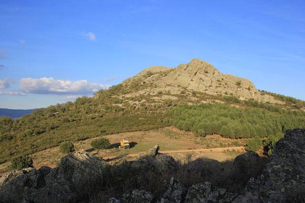 Blick vom Hausberg ohne Namen zum Standplatz 1580 m