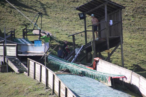Skisprungtraining am Standplatz Chaux Neuf