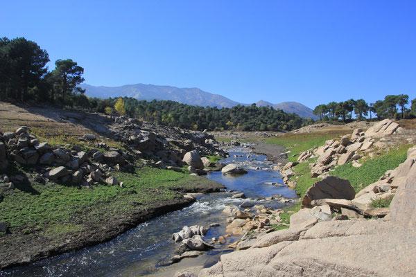 Rio Albreche Zufluss zum Embalse de Burguillo