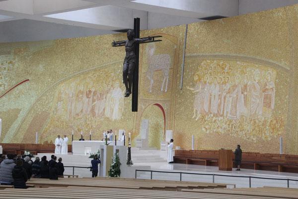 Fatima, Kirche, innen